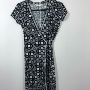 Max studio patterned wrap dress casual size small